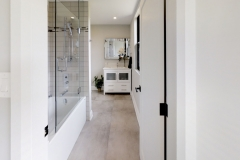 425-OBeirn-Rd-Uxbridge-ON-Bathroom1_