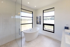 425-OBeirn-Rd-Uxbridge-ON-Bathroom_